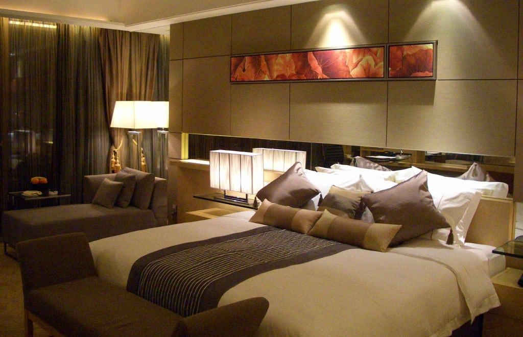 Hot hotel design trends for 2015 nunomad for King bed decoration