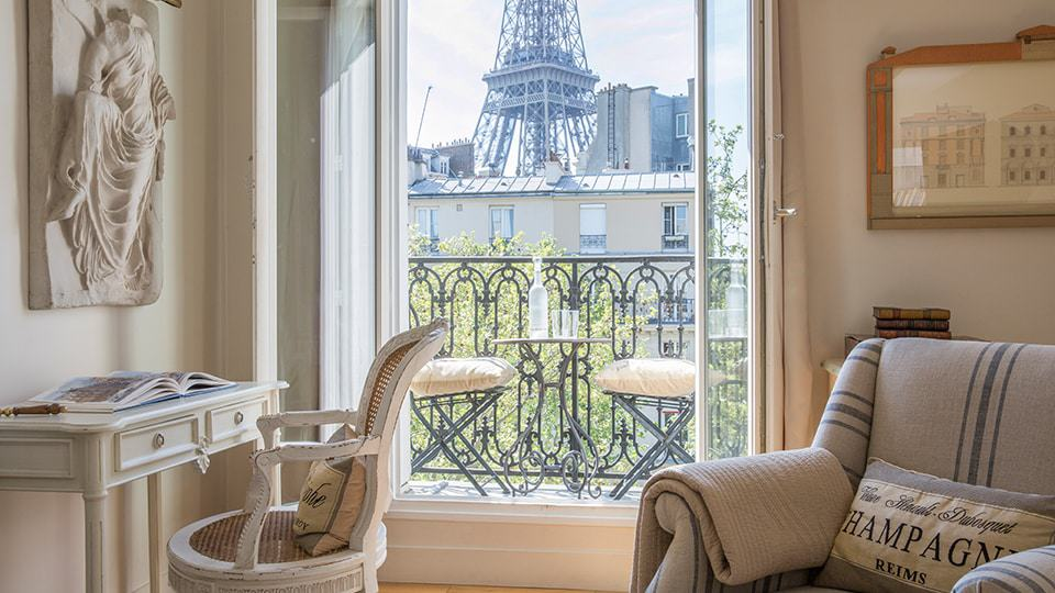 Paris location independence guide